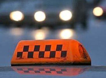В Сальском районе пассажир нанёс таксисту множество ранений и угнал его автомобиль