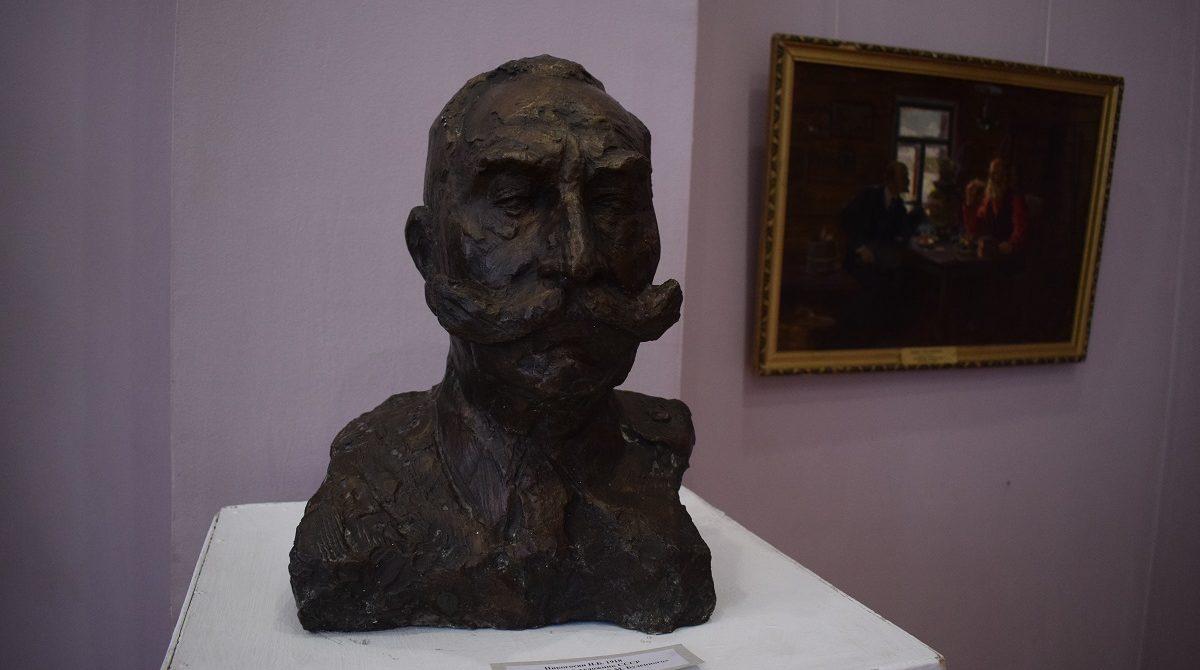 В Сальском музее открылась выставка, посвященная столетию революции