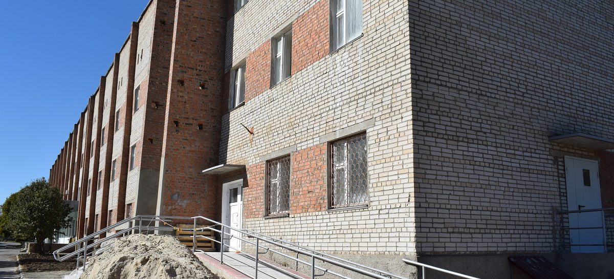 В детской поликлинике Сальска заменят окна до конца года