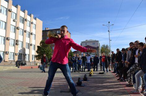 Новые таланты гиревого спорта нашлись на городских соревнованиях