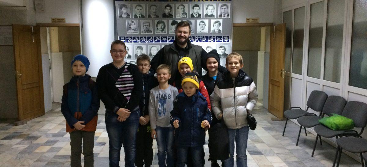 Юные баскетболисты Сальска сыграли с ростовчанами