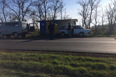 Жительница Пролетарска въехала в автобусную остановку