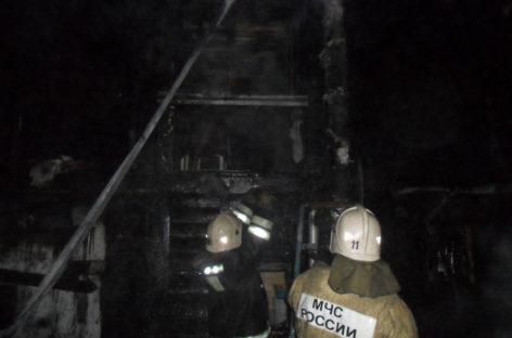 В посёлке Приречный Сальского района сгорела баня