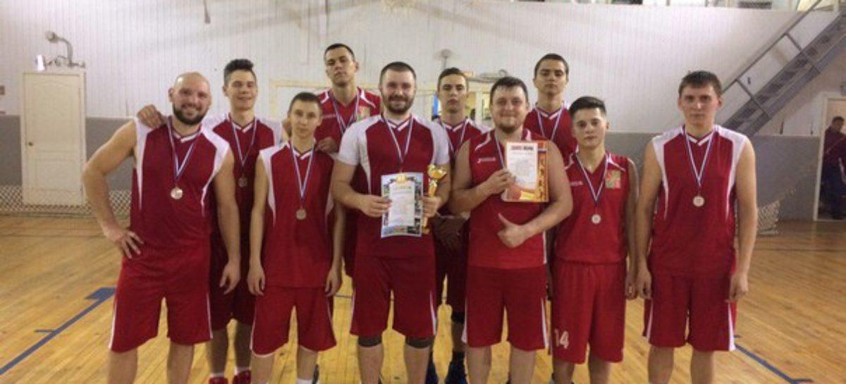 Сальские баскетболисты сыграют с Кировской