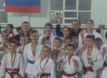Рукопашники сальского клуба «Боец» девять раз победили в Ростове