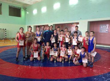 Борцы из Гиганта завоевали 19 наград в Орловском
