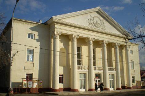 Сальчане смогут увидеть отрывки из балета «Щелкунчик» на сцене РДК им. Р.В. Негребецкого