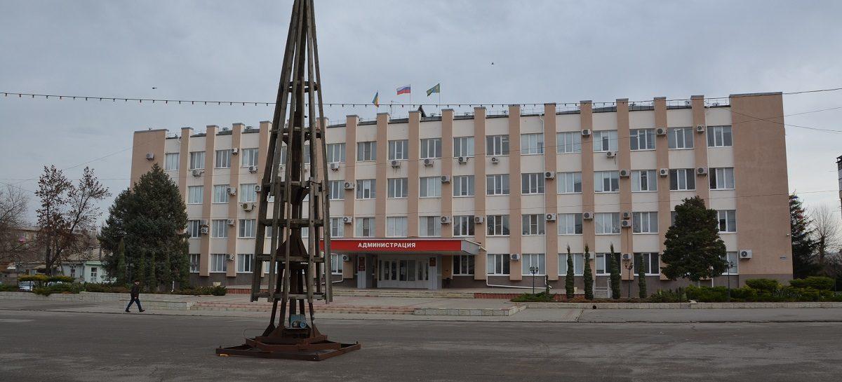 Сегодня на площади Ленина появился каркас главной ёлки города