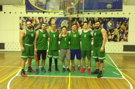 Баскетбол: сальский «Русич» сразился с ростовскими «Жуками»