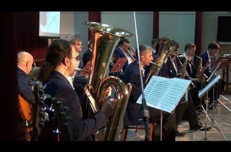 Юбилейный концерт муниципального духового оркестра собрал полный зал