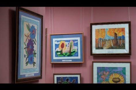 Ученики художественной школы представили сальчанам «Калейдоскоп» рисунков