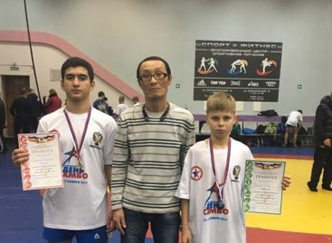 Сальчане завоевали две медали в «День самбо»