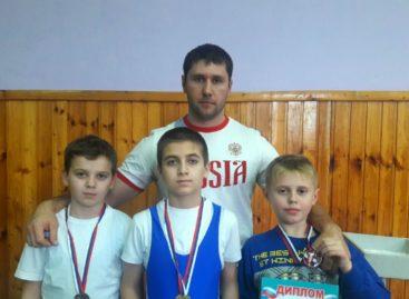 Сальские тяжелоатлеты выступили на областных соревнованиях в Шахтах
