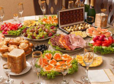 Сколько стоит накрыть новогодний стол в Сальске