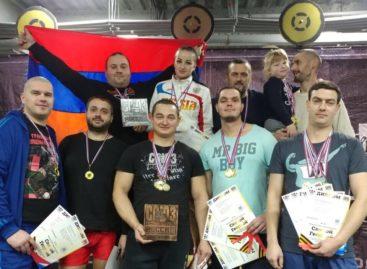 Сальские силачи успешно выступили в Волгодонске
