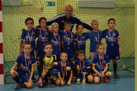 Юные сальские футболисты одержали еще две победы на областном первенстве