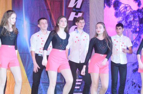 Страсти на сцене: непростой выдалась отборочная игра «Стартинейджера» между школами № 1 и 5