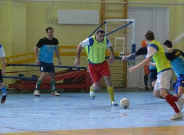 Сальчан приглашают на последние игры районного чемпионата по мини-футболу