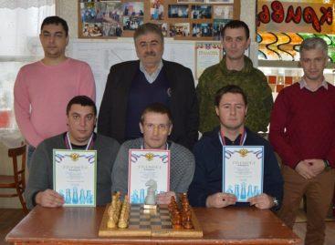 Сальские шахматисты боролись за первенство в клубе «Белая ладья»