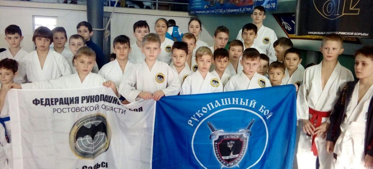 Рукопашники клуба «Боец» привезли 15 медалей из Элисты