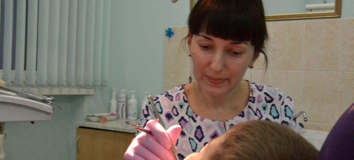 Стоматолог Алина Акуева: рада дарить улыбки — во всех смыслах