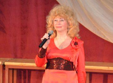 Солистка коллектива «Сальчанка» приглашает на концерт
