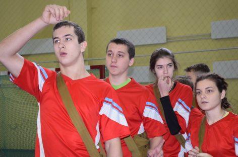Отряд юных друзей полиции школы № 3 стал сильнейшим в Сальском районе