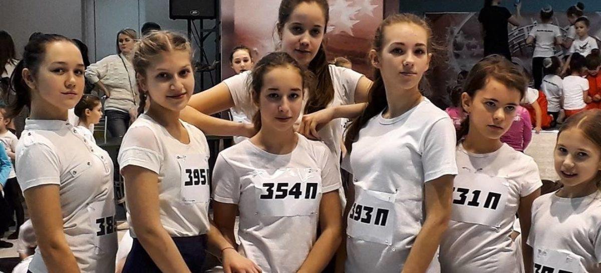 Конкурс «Танцпол» принёс 14 наград юным сальским танцорам