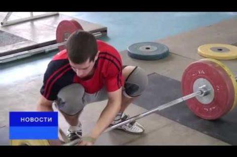 Четверка сильнейших тяжелоатлетов представит Сальск на первенстве России