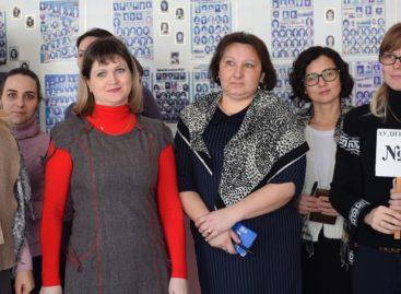 Родители будущих выпускников сальских школ сдавали ЕГЭ по русскому языку