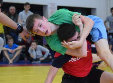 Сальские спортсмены стали призерами областного первенства по грэпплингу
