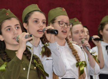 Лучшие исполнители представят Сальский район в финале «Гвоздик Отечества»