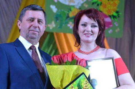 В Сальске поздравили женщин с 8 марта