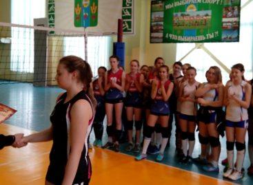 Сальские волейболистки взяли «бронзу» в домашнем турнире