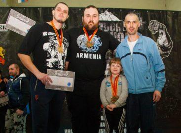 Три богатыря из Сальска показали удаль на «Кубке Северного Кавказа»
