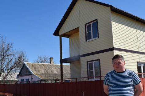 Сельские семьи в Сальском районе получают деньги на жильё