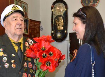 Сальских участников Великой Отечественной поздравляют с Днём Великой Победы
