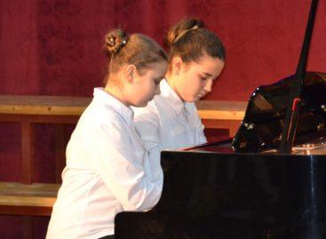 В Сальске cостоится фестиваль ансамблей пианистов