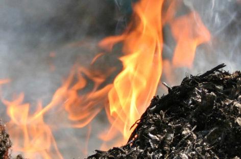 В Сальском районе селяне жгли мусор и попали в больницу с ожогами