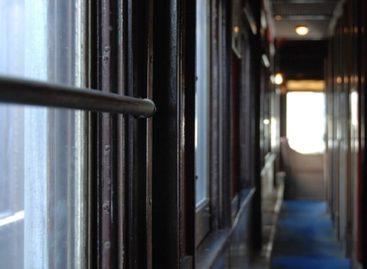 До 30 апреля билеты на поезда дальнего следования будут продаваться с учетом соцдистанции