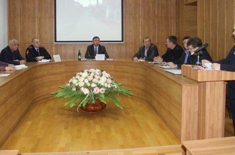 В Сальске на комиссии по безопасности движения обсудили аварийность на дорогах