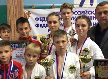 Рукопашный бой: спортсмены «Бойца» взяли девять медалей на Всероссийских соревнованиях