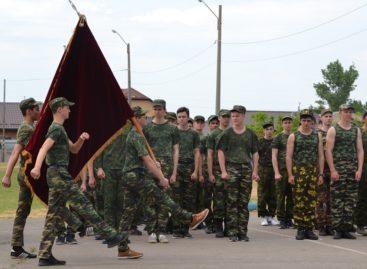 Сальские допризывники прошли военные сборы