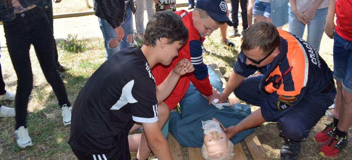 Сальские школьники приняли участие в Дне безопасности на воде