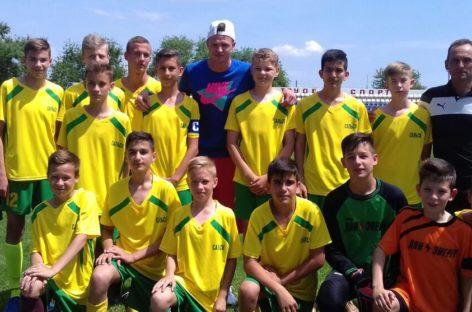 За юных сальских футболистов на кубке Ростовской области болел Дмитрий Тарасов