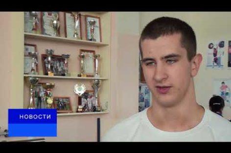 Даниил Кисиров завоевал серебряную медаль на чемпионате РО по тяжелой атлетике