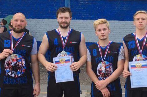 Стритбол: сальчане завоевали два «серебра» на областном турнире