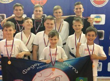 Сальские каратисты успешно выступили в Ростове