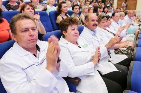 Названы лучшие врачи Дона