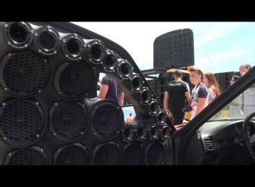 Автозвук в Сальске: на взлётке было громко